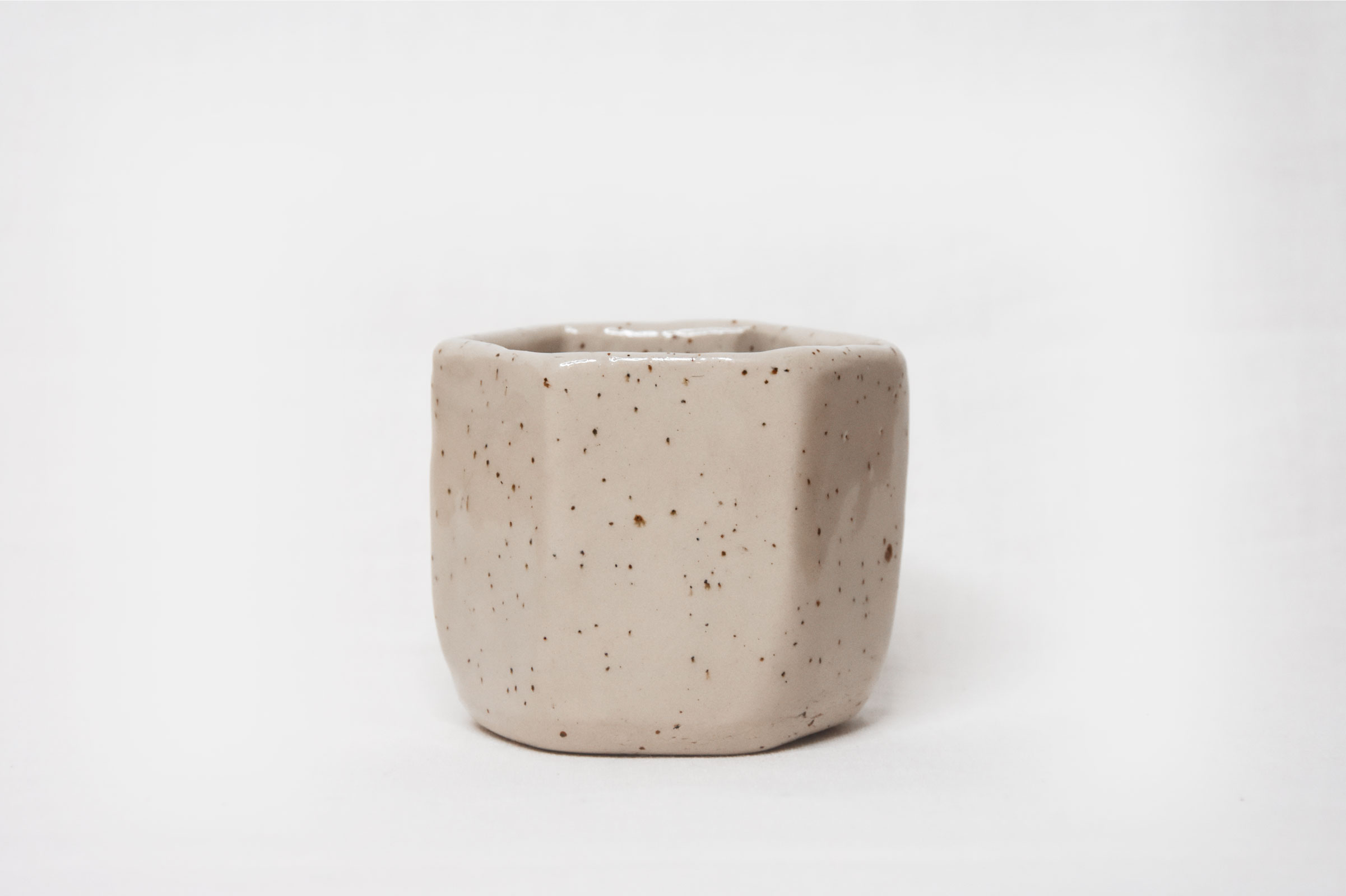 HEXAGONAL CUP – SPECKLED WHITE